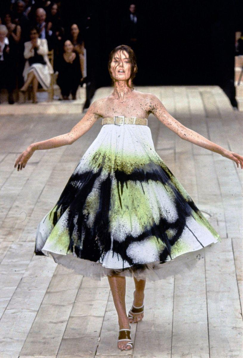 Bộ sưu tập của Alexander McQueen Xuân / Hè 1999.