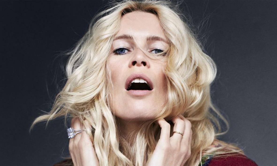 Siêu mẫu Claudia Schiffer  HARPER'S BAZAAR