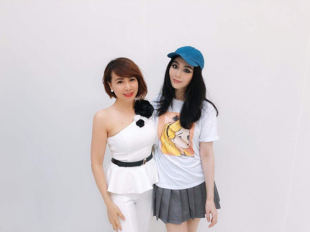 NTK Tuyết Lê cùng diễn viên Phạm Băng Băng.