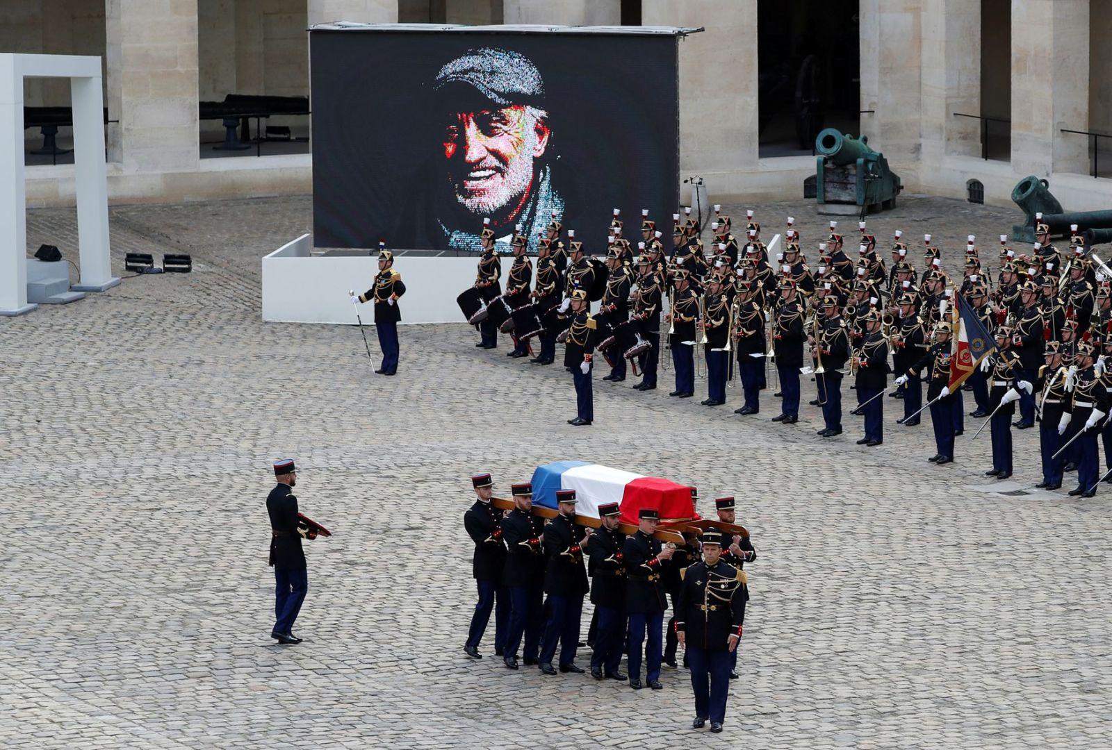 Tang lễ Jean-Paul Belmondo tại Bảo tàng quân đội Les Invalides  ẢNH: REUTERS