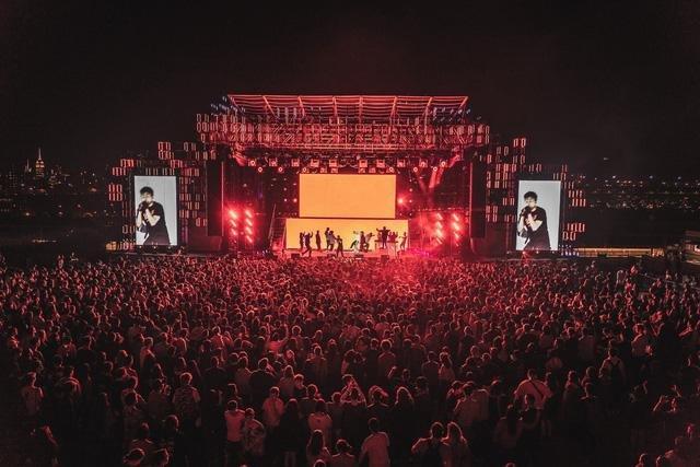Quang cảnh lần lần diễn ra trước đây của lễ hội âm nhạc Head In The Clouds tại Mỹ, được tổ chức bởi 88rising  THE PACIFICAN