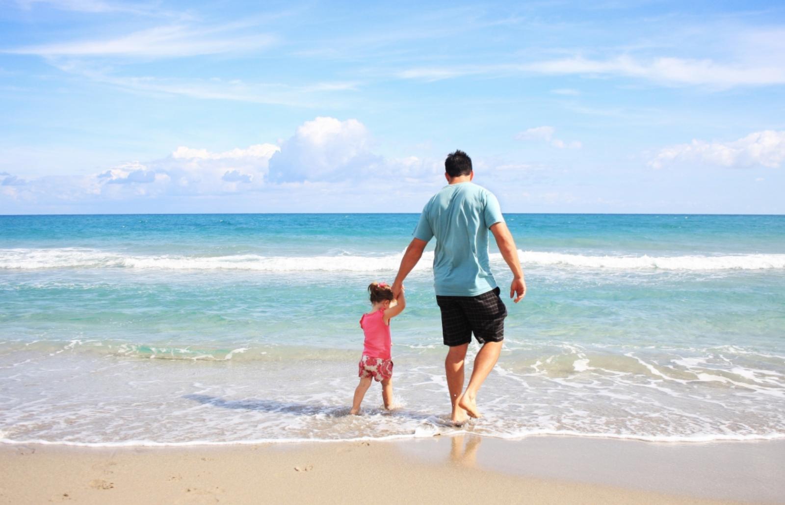 Những lưu ý để có chuyến du lịch biển an toàn cho cả gia đình
