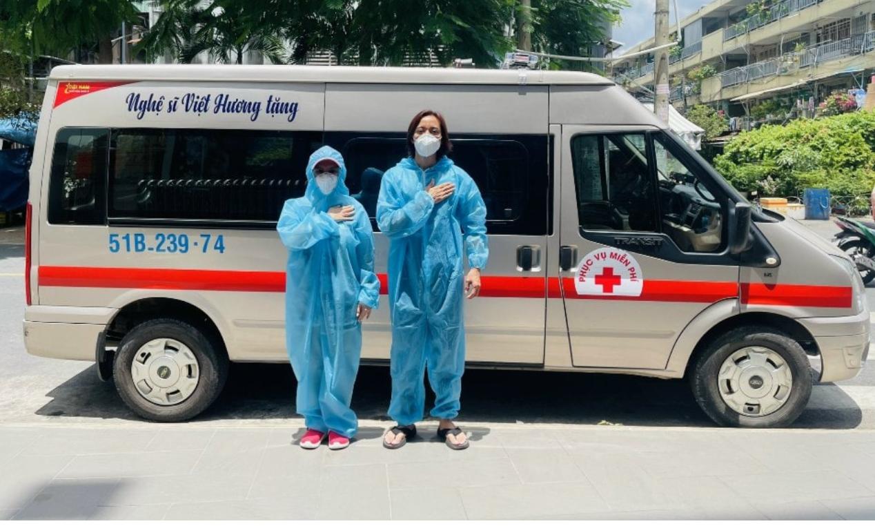 Việt Hương tiếp tục mua xe chở oxy hỗ trợ bà con mùa dịch