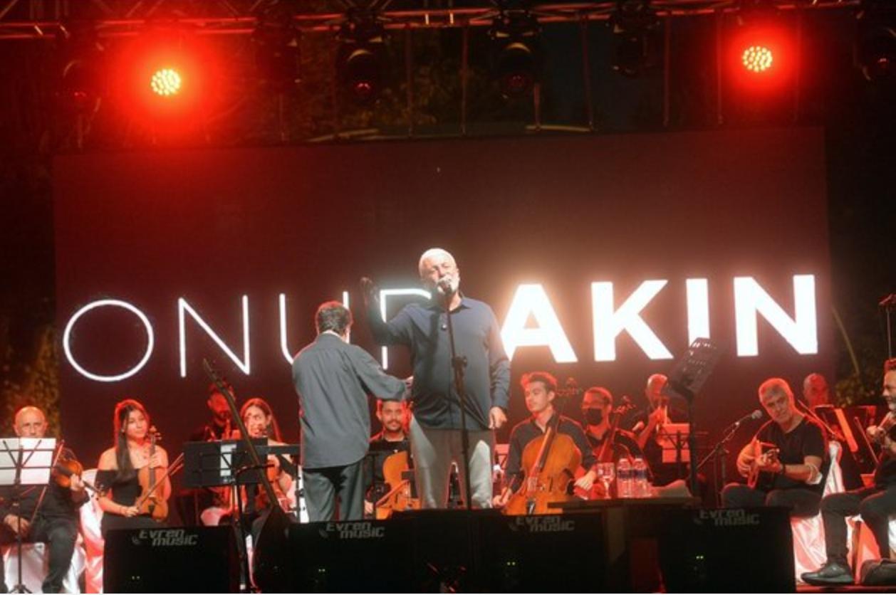 Buổi biểu diễn âm nhạc ngoài trời lớn đầu tiên tại thủ đô Ankara sau khi Thổ Nhĩ Kỳ dỡ bỏ các biện pháp hạn chế nhằm kiềm chế dịch bệnh. Ảnh: bignewsnetwork.com
