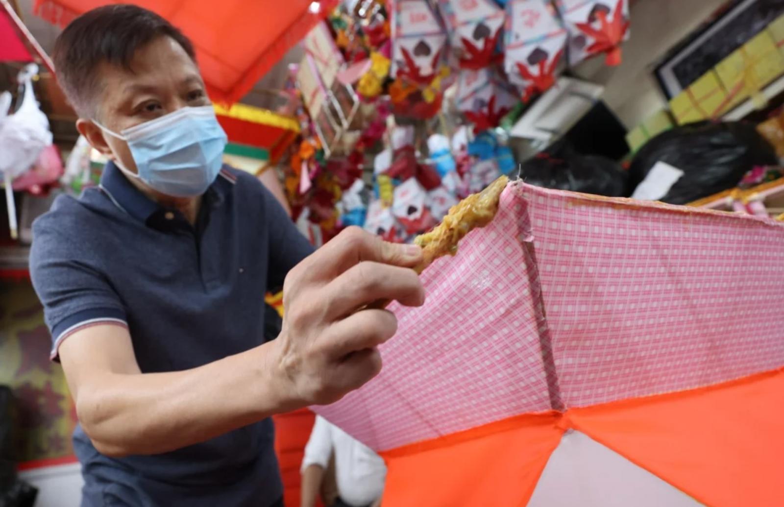Vì sao nghề làm đèn lồng xứ Hương Cảng đang dần biến mất?