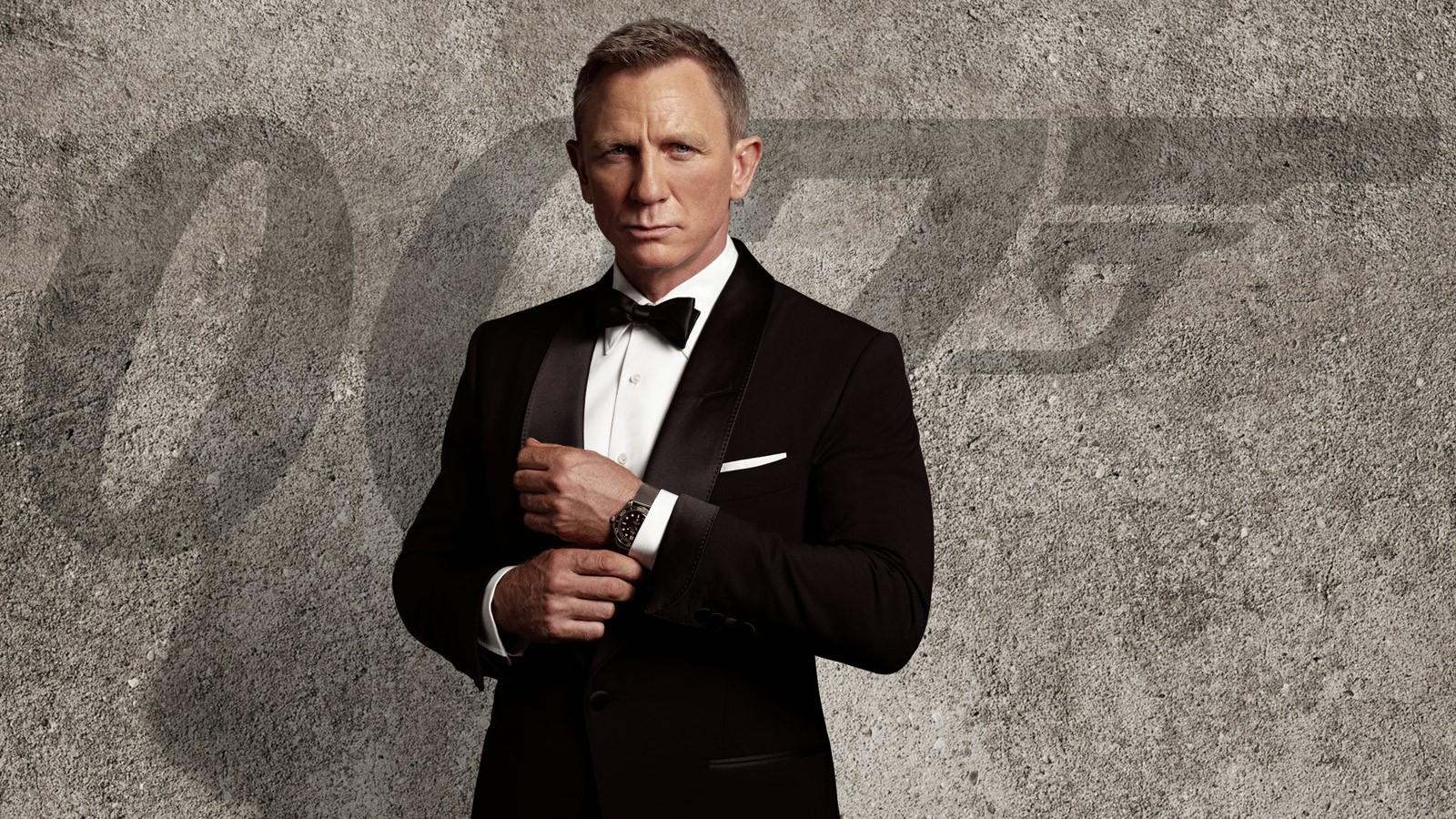 """""""Điệp viên 007"""" Daniel Craig được phong Sĩ quan Hải quân Hoàng gia Anh"""