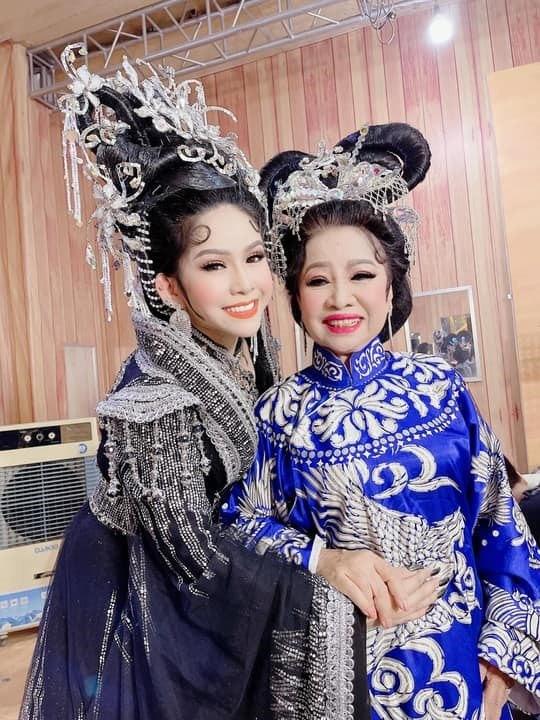 Nghệ sĩ Bạch Mai và con gái Bình Tinh  ẢNH: H.K