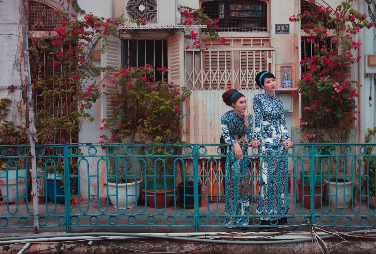 Ninh Dương Lan Ngọc và Diễm My 9X trong BST Cô Ba Sài Gòn.