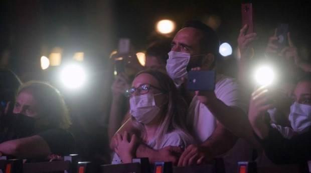 Vỡ òa cảm xúc trong buổi hòa nhạc đầu tiên sau hơn một năm giãn cách