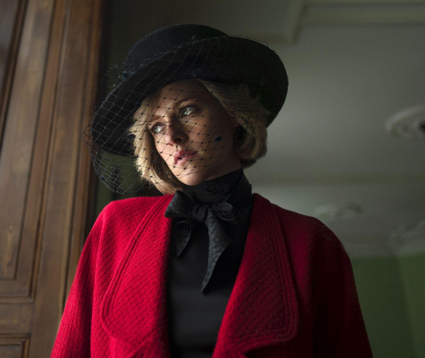 Tạo hình Công nương Diana trong phim Spencer  ẢNH: NEON
