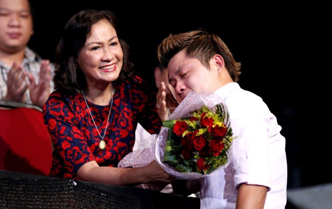 Nam nhạc sĩ cảm thấy may mắn khi vẫn còn mẹ bên cạnh - ẢNH: NVCC
