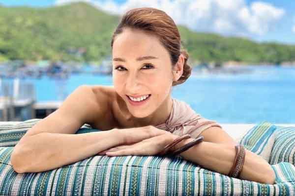 Cuộc sống viên mãn của 'đệ nhất mỹ nhân TVB' Lê Tư ở tuổi 50
