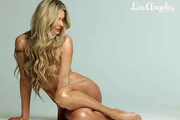 Paulina Porizkova chụp ảnh khỏa thân cho bìa tạp chí ở tuổi 56