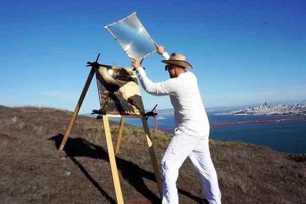 Nghệ sĩ Mỹ vẽ tranh bằng ánh nắng mặt trời