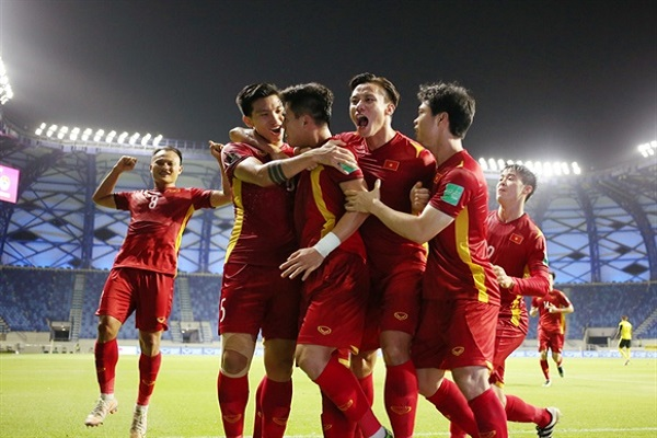 Bảng xếp hạng FIFA tháng 8: Tuyển Việt Nam bỏ xa Thái Lan