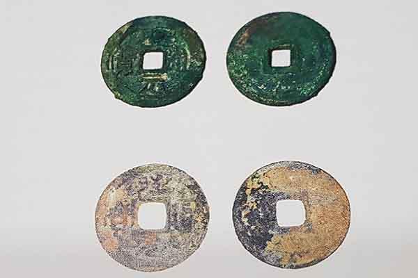 Những chuyện kỳ thú đồng tiền Việt Nam: Tiền giấy 'không yêu dân' của Hồ Quý Ly