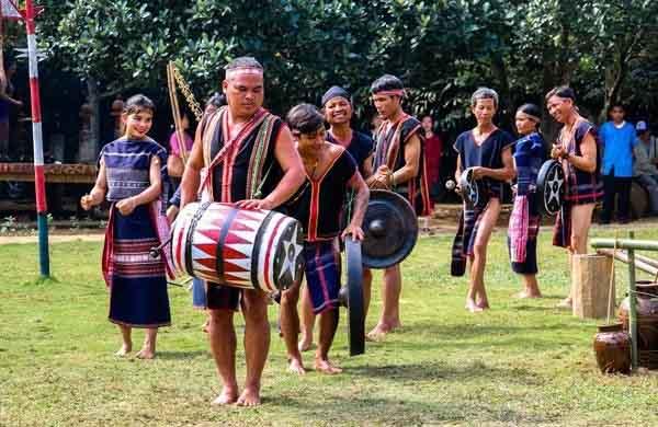 Ưu tiên bảo tồn và phát huy giá trị văn hóa truyền thống của vùng đồng bào các dân tộc thiểu số