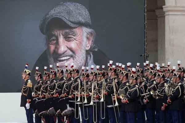 Nước Pháp nghẹn ngào tiễn biệt Jean-Paul Belmondo