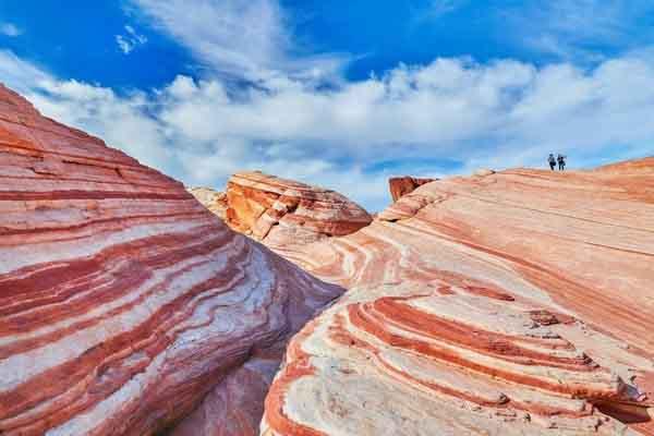 Đến Mỹ khám phá 12 'kỳ quan đá' ngoạn mục hiếm có