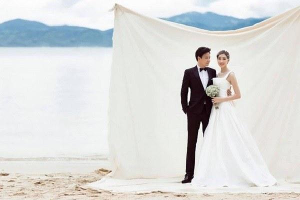 Hoa hậu Đặng Thu Thảo hé lộ ảnh cưới hiếm hoi bên ông xã doanh nhân