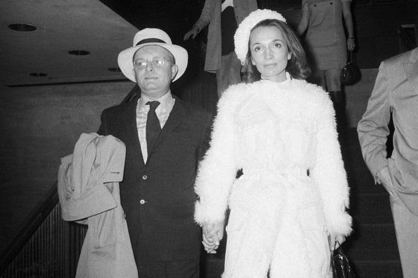 Mối quan hệ phức tạp của chị em Jackie Kennedy qua ngòi bút Laurence Leamer
