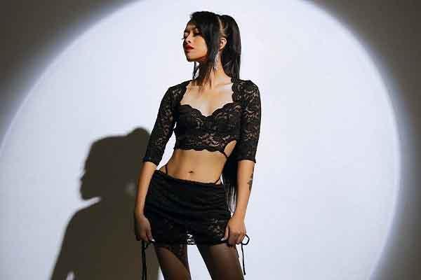 Wiwi Nguyễn tập gym miệt mài trước khi ghi hình Supermodel Me
