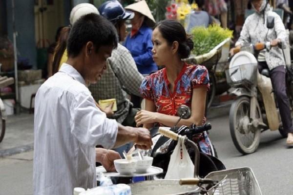 Người Hà Nội - Chuyện ăn, chuyện uống một thời: Những kiểu uống mang phong vị Trung Hoa
