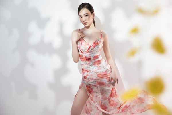 Đại diện Việt Nam tại Hoa hậu Liên lục địa 2021 diện váy hoa rực rỡ