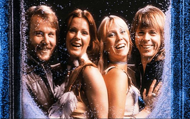 Chuyện ít biết về nguồn gốc ra đời của 2 ca khúc 'Jingle Bells' và 'Happy New Year'