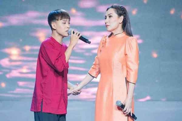 Hồ Văn Cường xin lỗi Phi Nhung: 'Con biết lỗi và mong mẹ tha thứ'