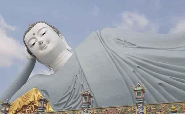 Đầu xuân, thăm ngôi chùa có tượng Phật nằm lớn nhất Việt Nam