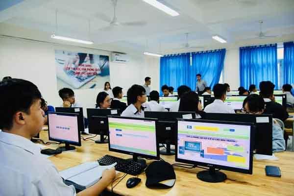 Các đại học top đầu tổ chức thi riêng, nhiều trường chờ tuyển sinh qua kỳ thi THPT 2021