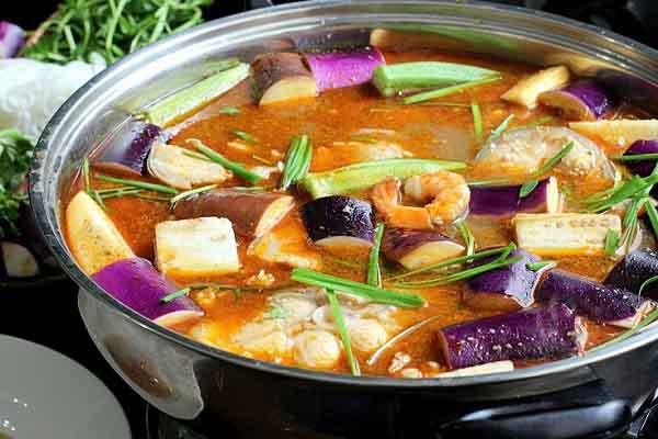Cua Năm Căn, Lẩu mắm U Minh lọt vào top 100 món ăn đặc sản Việt Nam