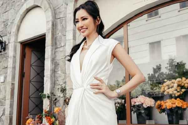 Trương Tri Trúc Diễm diện váy xẻ sâu, thu hút mọi ánh nhìn