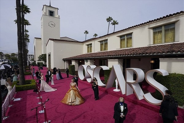 Vì sao lượng khán giả xem Oscar 2021 giảm kỷ lục?