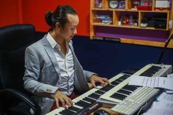 Nhạc sĩ Trần Quang Sơn miệt mài trên con đường 'hành thiện âm nhạc'