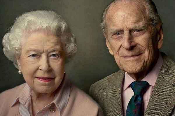 Những hình ảnh đẹp để đời của Nữ hoàng Anh và Hoàng thân Philip trước tang lễ