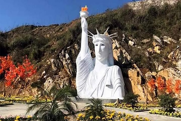 Khu vực tượng Nữ thần tự do 'phiên bản lỗi' ở Sa Pa bị cấm đón khách