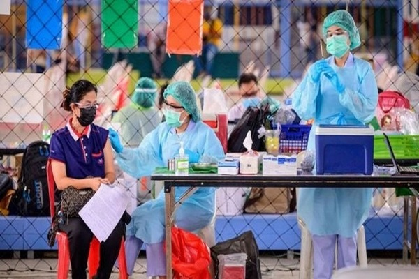"""""""Du lịch vaccine' nở rộ trong đại dịch"""