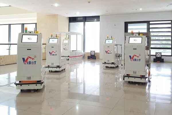 Hệ thống robot y tế vận chuyển chính thức được đưa vào sử dụng