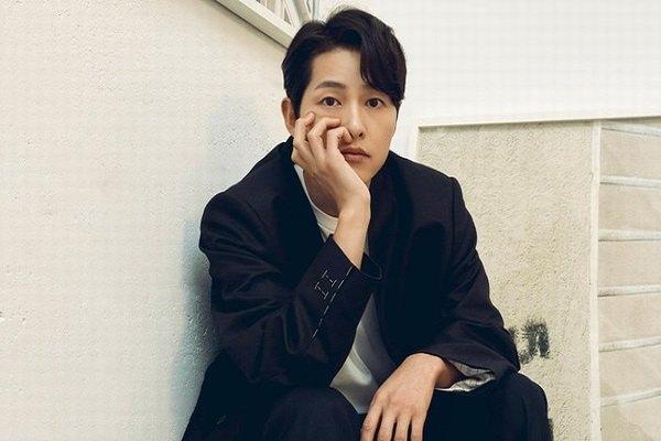 Được khen quyến rũ, tài tử Song Joong Ki nói gì?