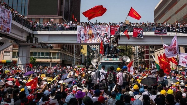 Khi Myanmar bất ổn, Việt Nam và nhiều nước còn đau đầu với COVID-19