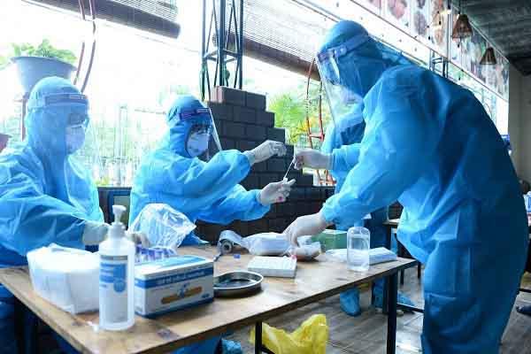 Dịch COVID-19: Hà Nội vừa ghi nhận thêm 9 ca dương tính với SARS-CoV-2
