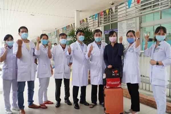 13 y bác sĩ Bệnh viện Chợ Rẫy đến Bắc Giang ứng cứu dịch bệnh COVID-19