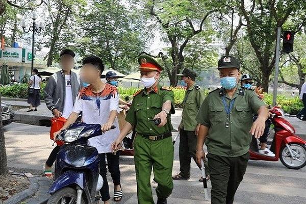 Hà Nội xử phạt trên 8 tỉ đồng tuần đầu giãn cách