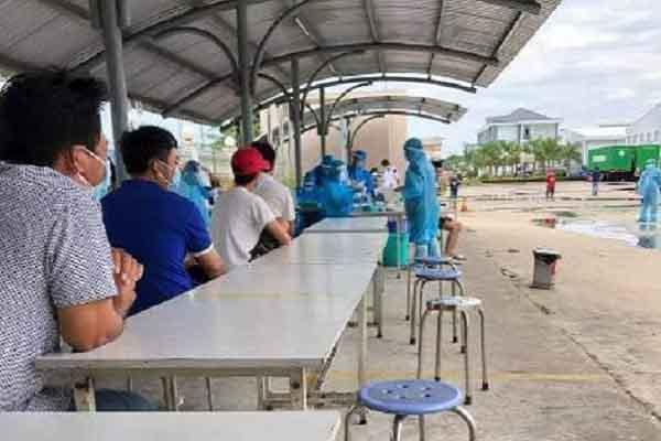 Bùng dịch trong công ty '3 tại chỗ', Tiền Giang tạm dừng hoạt động doanh nghiệp trong các khu, cụm công nghiệp