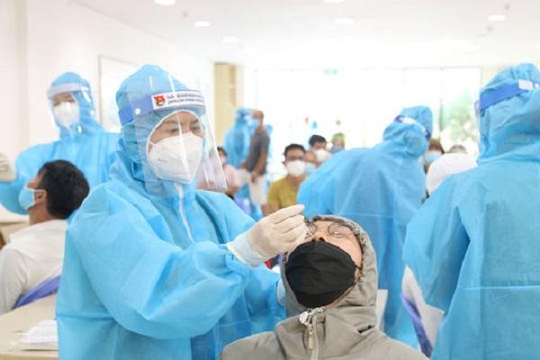 Sáng 21.7: TP.HCM 1.739/2.787 ca COVID-19, triển khai tiêm 930.000 liều vắc xin...