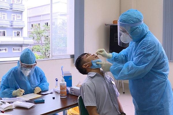TP.HCM: Cách ly 150 người thuộc Khu chế xuất Tân Thuận do một ca nghi mắc COVID-19