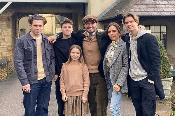 Có gì trong bộ phim tài liệu về đời tư gia đình David Beckham?