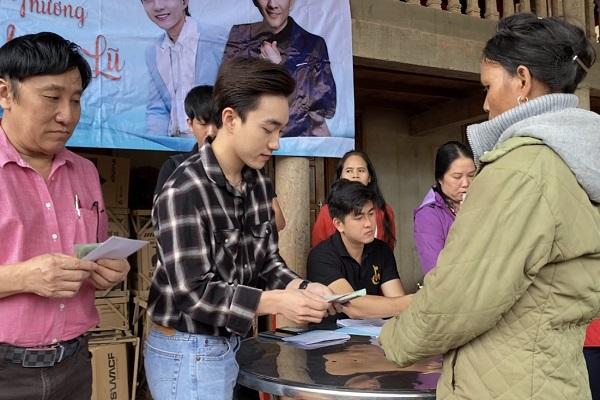 Ca sĩ Đan Trường kêu gọi; Trung Quang trực tiếp đến Quảng Trị để hỗ trợ người dân vùng lũ